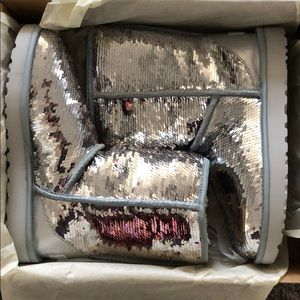 Silver sequin ugg boot size 9